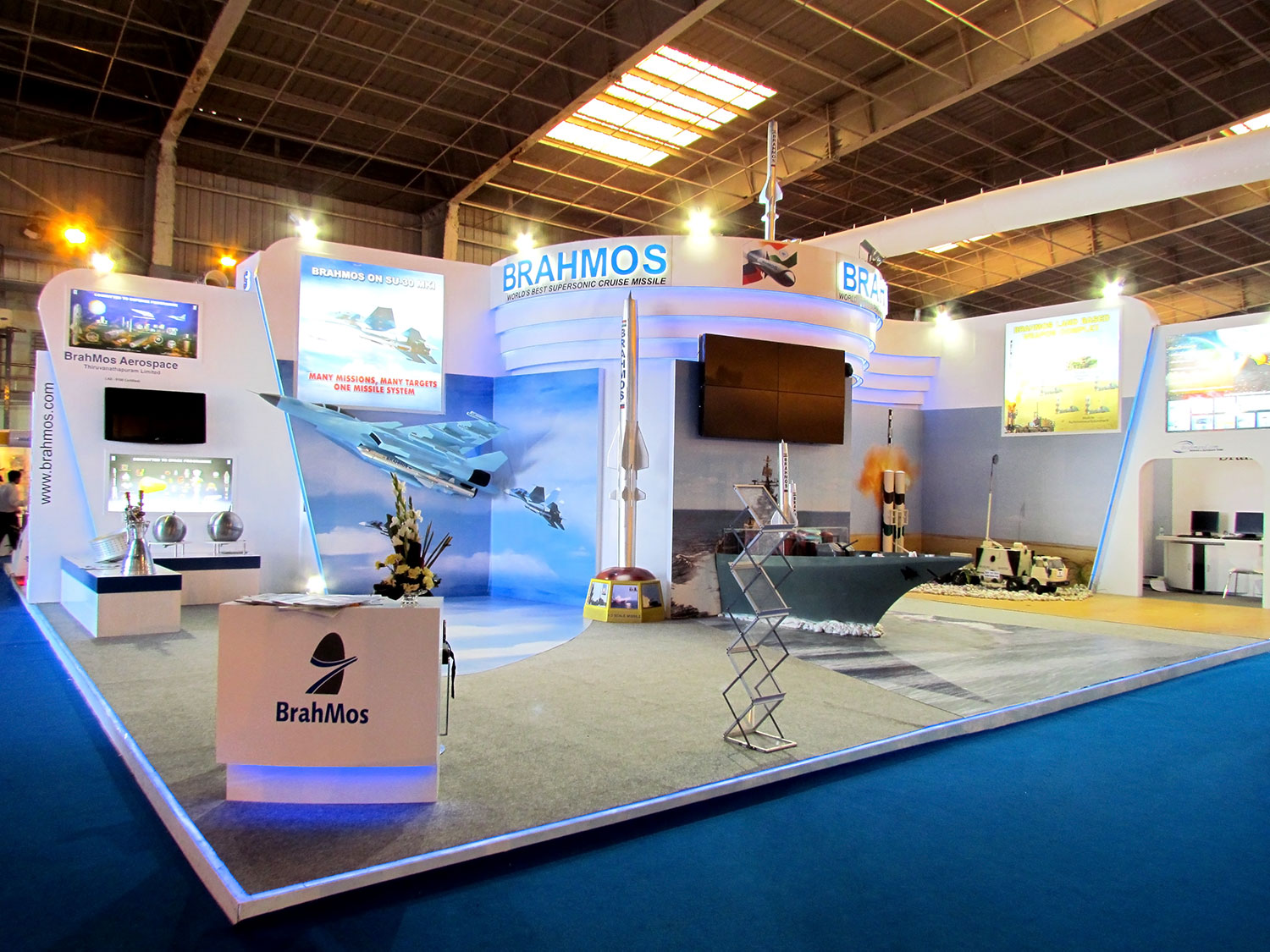 Expo Exhibition Stands Up : Exhibition stand design and build for your defense expo