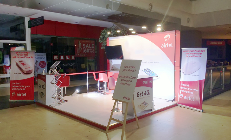 Small Exhibition Stand Near Me : Roll up banner and banners stands